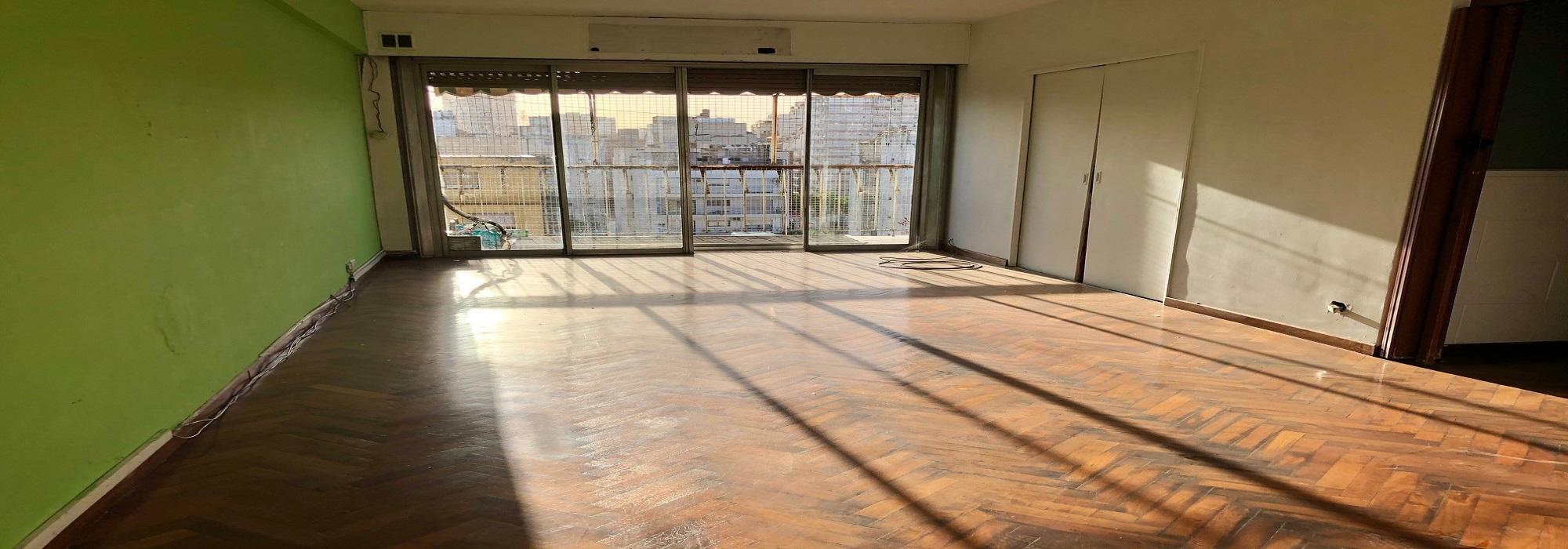 Gran depto 3 amb con dep., balcon al contrafrente, vista panoramica